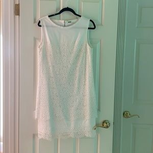Elie Tahari white sleeve less dress